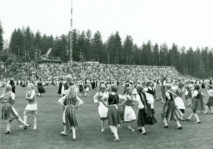 Karjalaiset kesäjuhlat Imatralla 1977.