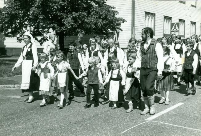 Karjalaiset kesäjuhlat 1983 Oulussa.