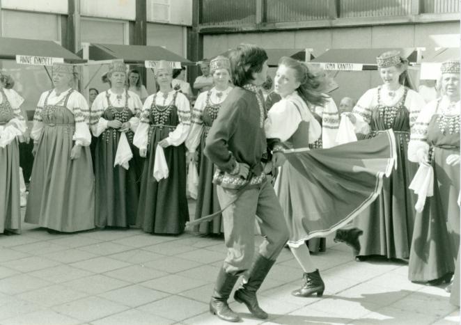 Karjalaiset kesäjuhlat Turussa 1992.