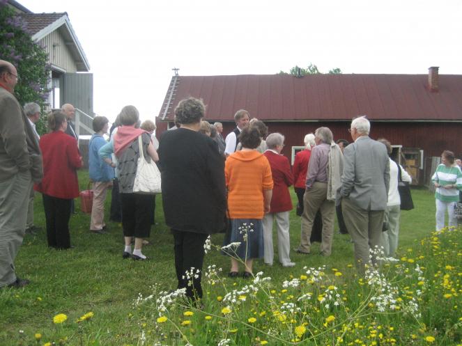 Karjalaisten kesäjuhlien ohjelmaan Kuopiossa 2009 kuului vierailu Suomen asutusmuseossa Lapinlahdella.