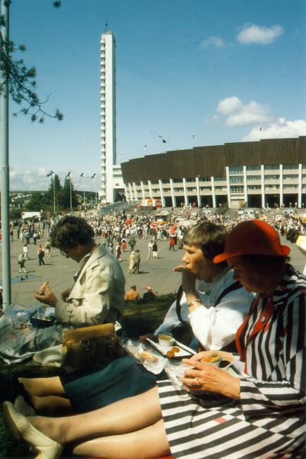 Karjalaiset kesäjuhlat Helsingissä 1985.